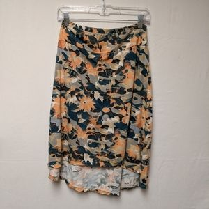 Thread 4 thoughts NWOT floral skirt sz small